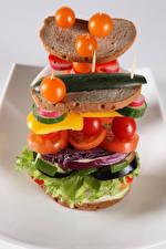 Fotos Tomate Brot Gemüse Sandwich