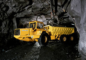 Wallpapers Volvo Lorry Caves Yellow 1976-79 BM 860S