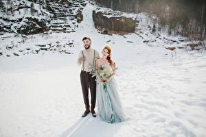 Hintergrundbilder Winter Sträuße Liebe Bräutigam Brautpaar Kleid Mädchens