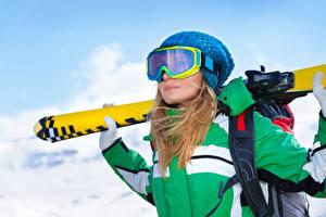Fonds d'écran Hiver Ski Blondeur Fille Lunettes Chapeau d'hiver Filles