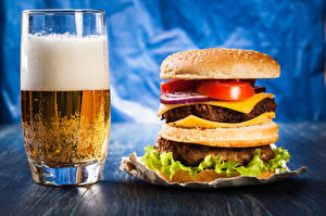 Hintergrundbilder Bier Burger Trinkglas Schaum Lebensmittel