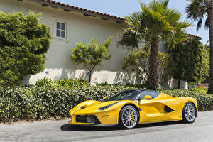 Wallpaper Ferrari Yellow Metallic 2016-18 LaFerrari Aperta automobile
