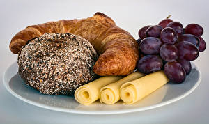 Bilder Weintraube Croissant Käse Backware Teller