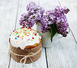 Bilder Feiertage Ostern Flieder Backware Kulitsch Bretter Blumen