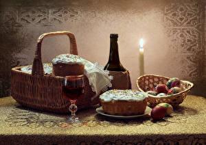 Bilder Feiertage Stillleben Ostern Kulitsch Kerzen Wein Ei Weidenkorb Flasche Weinglas