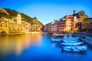 Fotos Italien Ligurien Cinque Terre Park Gebäude Bootssteg Bucht Vernazza Städte