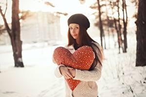 Fonds d'écran Journée internationale des femmes Cœur Aux cheveux bruns Filles