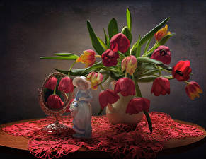 Pictures Still-life Bouquets Tulips Sculptures Mirror Little girls Table flower