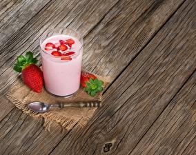 Bilder Erdbeeren Joghurt Trinkglas Lebensmittel