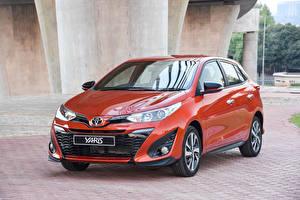 Hintergrundbilder Toyota Rot Metallisch 2018 Yaris S automobil