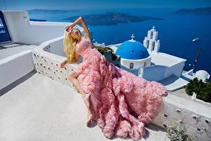 Hintergrundbilder Blondine Kleid Model junge frau
