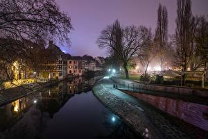 Hintergrundbilder Frankreich Straßburg Gebäude Kanal Nacht Städte
