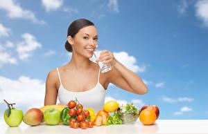 Hintergrundbilder Obst Gemüse Lächeln Trinkglas Mädchens