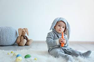 Hintergrundbilder Feiertage Ostern Kaninchen Mohrrübe Knuddelbär Ei Baby Junge Uniform Kinder