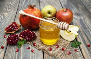 Hintergrundbilder Honig Granatapfel Äpfel Bretter Einweckglas Getreide Lebensmittel