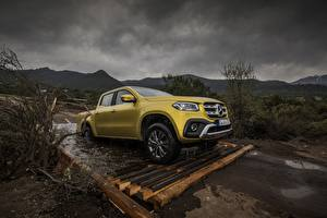 Hintergrundbilder Mercedes-Benz Pick-up Gelb 2017 X-Class