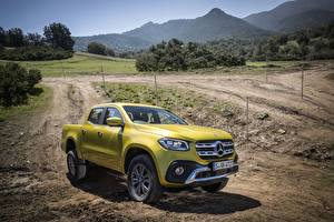 Bilder Mercedes-Benz Gelb Pick-up 2017 X-Class Autos