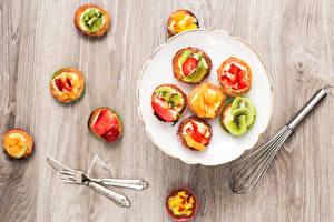 Hintergrundbilder Süßigkeiten Törtchen Teller Gabel Lebensmittel