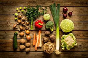 Bilder Gemüse Kohl Pilze Zwiebel Kartoffel Paprika Bretter Lebensmittel