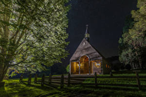 Bilder Chile Tempel Kirchengebäude Nacht Zaun Bäume Futrono Städte