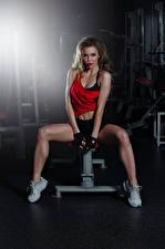 Hintergrundbilder Fitness Trainieren Braune Haare Blick Hübscher Bein Mädchens Sport