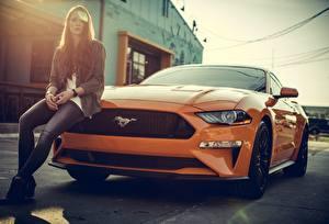 Fotos Ford Orange mustang Autos Mädchens