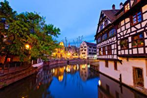 Hintergrundbilder Frankreich Straßburg Haus Abend Kanal