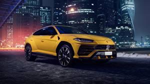 Images Lamborghini Yellow Urus 2018 automobile