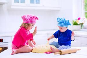 Fotos Kleine Mädchen Junge 2 Köche Mütze Kinder