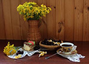Hintergrundbilder Stillleben Sträuße Kaffee Torte Kirsche Bretter Tasse Vase