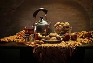 Fotos Stillleben Flötenkessel Tee Äpfel Backware Tisch Trinkglas Lebensmittel