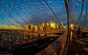 Bilder USA Haus Brücken Abend Wege New York City Brooklyn Bridge Städte