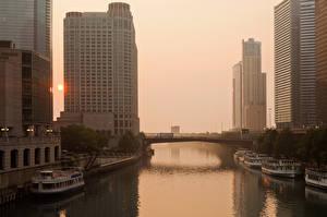 Bilder USA Haus Flusse Schiffsanleger Schiffe Binnenschiff Sonnenaufgänge und Sonnenuntergänge Chicago Stadt Illinois