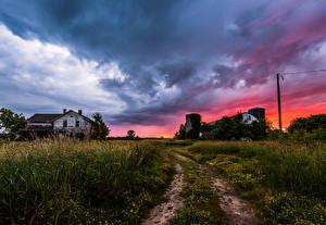 Bilder USA Sonnenaufgänge und Sonnenuntergänge Himmel Haus Straße Wolke Gras Ozaukee  Wisconsin Natur
