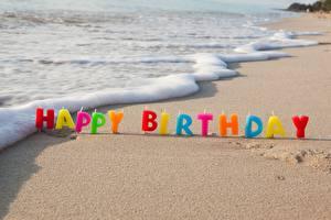 Fotos Geburtstag Kerzen Küste Wasserwelle Sand