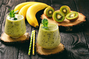 Fotos Cocktail Bananen Kiwi Bretter Trinkglas 2 Lebensmittel