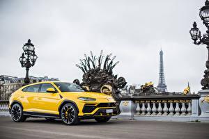 Wallpapers Lamborghini Yellow Metallic 2018 Urus auto