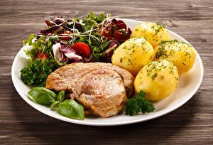 Bilder Fleischwaren Kartoffel Gemüse Teller Lebensmittel