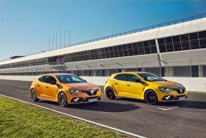 Papel de Parede Desktop Renault Dois Amarelo  automóveis