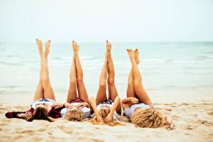 Fotos Strand Bein Blond Mädchen Vier 4 Mädchens