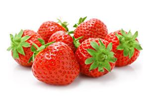 Bilder Beere Erdbeeren Großansicht Weißer hintergrund Lebensmittel