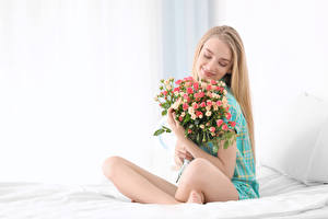 壁纸,,花束,玫瑰,金发女孩,微笑,坐,女孩,