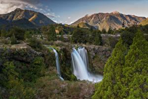 Hintergrundbilder Chile Gebirge Wasserfall Landschaftsfotografie Felsen