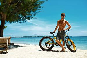 Fotos Küste Mann Fahrrad Brille