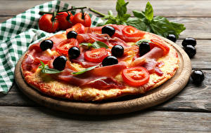 Hintergrundbilder Fast food Pizza Oliven Tomaten Bretter Lebensmittel