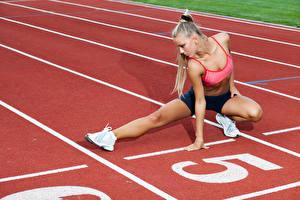 Hintergrundbilder Fitness Blond Mädchen Trainieren Bein Start Mädchens Sport