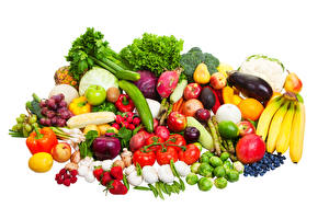 Pictures Fruit Vegetables Tomatoes Bananas Allium sativum Strawberry Bell pepper Raspberry White background Food