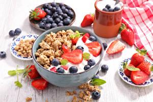 Hintergrundbilder Müsli Erdbeeren Heidelbeeren Frühstück