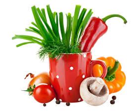 Hintergrundbilder Pilze Paprika Tomate Zwiebel Gemüse Dill Weißer hintergrund das Essen