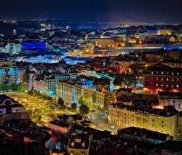 Tapety na pulpit Portugalia Domy Lizbona W nocy Noc Miasta